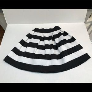Express skirt - Flared puffball or bouffant skirt